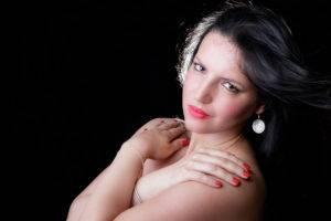 Séance photo pour femme ronde en studio