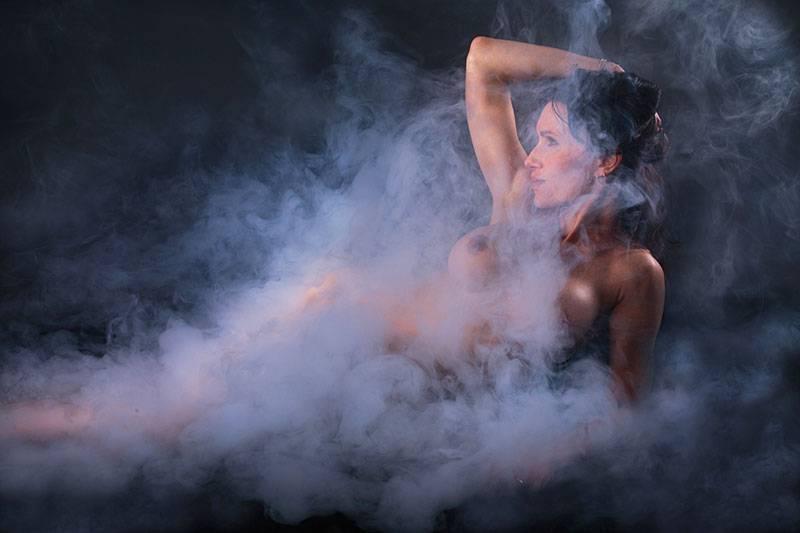 Une séance photo de nu artistique en studio à Paris